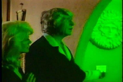 Green kitchen light